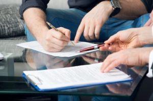 Cine plateste taxele notariale vanzatorul sau cumparatorul